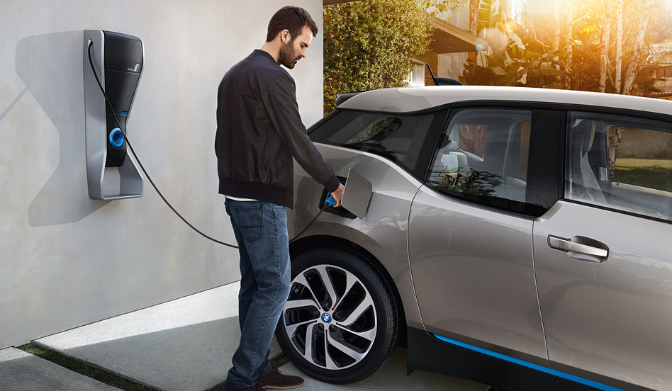 BMW vai instalar pontos de recarga de carros elétricos no Brasil